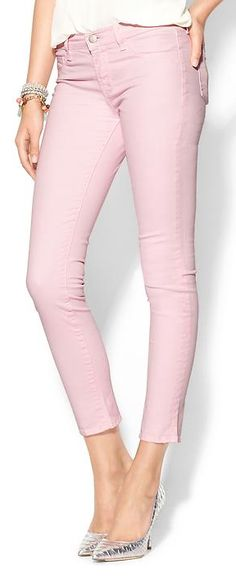 mid-rise crop jeans  http://rstyle.me/n/iwfrdpdpe