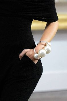 Pearl Oversized Big Chanel Necklace Bracelet Ring Fashion Magazine Jewellery