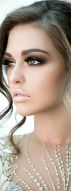 36 Trendy ideas for wedding makeup hazel bachelorette parties - Best Wedding Beauty Hazel Eye Makeup, Wedding Makeup For Brown Eyes, Bridal Hair And Makeup, Hair Makeup, Maquillage Goth, 1920s Makeup, Wedding Makeup Tutorial, Pinterest Makeup, Bridesmaid Makeup