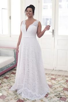 Is shopping for a plus size wedding dress causing you more stress and exhaustion than it is worth? You deserve to look your absolute best you your wedding day and if that means finding plus size wedding dresses that y. Plus Size Wedding Gowns, Plus Size Dresses, Wedding Dresses For Curvy Women, Size 12 Wedding Dress, Classy Evening Gowns, Evening Dresses, Classy Gowns, Lace Ball Gowns, Curvy Bride