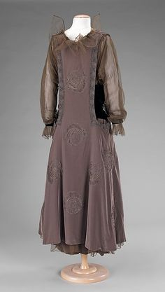 Evening dress (image 2) | French | 1915-1917 | silk, metal | Brooklyn Museum Costume Collection at The Metropolitan Museum of Art | Accession #: 2009.300.2499