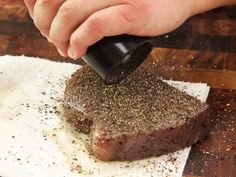 The Food Lab's Complete Guide to Sous Vide Tuna How To Cook Tuna, Raw Tuna, Seared Tuna, Tuna Steaks, Food Lab, Tuna Recipes, Sous Vide, Sashimi, Cooker
