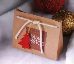 Sacchetto regalo in cartone con cordino incluso