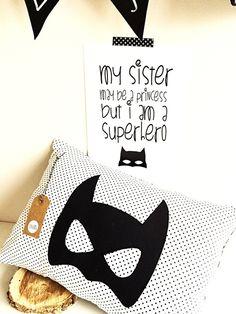Kussen - SUPERHERO - zwart&wit