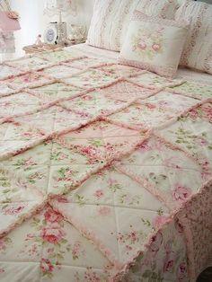 mariondee-designs: lovely rose rag-style little girl quilt