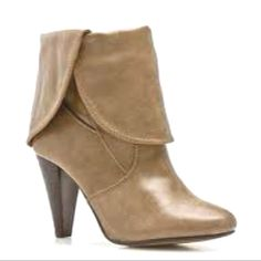 Neutrals are my favs! (Very Volatile Cloak boot)