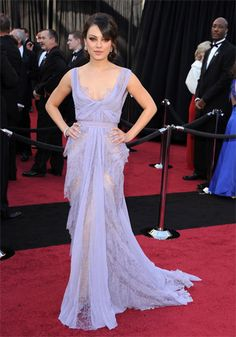 There's a reason why Elie is my favourite. Not the mention Mila is flawless at the 2011 Oscars. 10/10!