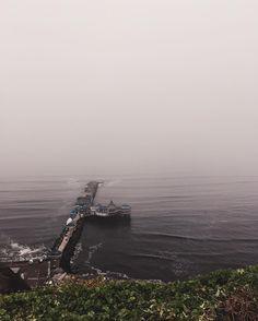 Foggy Lima . . . . #lima #peru #igers #igersperu #igerslima #miraflores #foggy #sea #seefront #nature #dark #calm