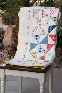 Pinwheel Quilt - with triangle pieced border