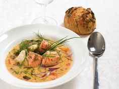 Fisksoppa (kock Helena Nyblom) Thai Red Curry, Shrimp, Food And Drink, Turkey, Lunch, Chicken, Ethnic Recipes, Fish, Foods