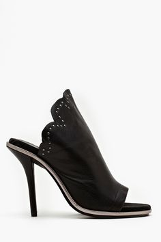 Paramour Pumps..... These would work for me w the way my heel is built... If they come in my size..... Love love love!!!