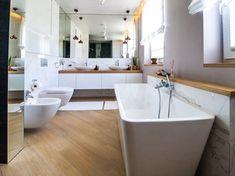 Projekt domu szeregowego - Duża łazienka w domu jednorodzinnym z oknem - zdjęcie od Biuro projektowe Joanna Karwowska