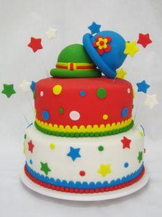 Veja 70 bolos de aniversário decorados com personagens infantis - Gravidez e Filhos - UOL Mulher