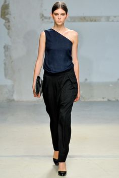 Damir Doma Spring 2014 Ready-to-Wear Fashion Show - Kel Markey