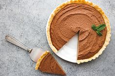 This silky chocolate pie recipe is made in a buttery almond flour crust for a healthy dessert made to satisfy! Chocolate Silk Pie, Chocolate Pie Recipes, Paleo Chocolate, Chocolate Desserts, Cold Desserts, Healthy Desserts, Delicious Desserts, Yummy Food, Healthy Sweet Treats