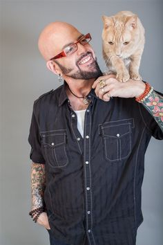 "Cat Training July fireworks: Tips to protect your dog or cat from Jackson Galaxy, pet experts - ""My Cat From Hell"" star Jackson Galaxy and other experts share smart tips to keep your pets safe during Fourth of July fireworks. Star Jackson, Jackson Galaxy, Crazy Cat Lady, Crazy Cats, Cheap Pet Insurance, Insurance Meme, Men With Cats, Galaxy Cat, Owning A Cat"
