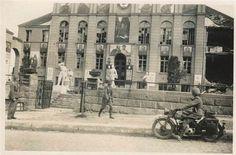 В 1941 году - этот дом назывался - домом красной Армии.Потом Домом Офицеров
