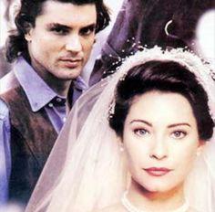 La viuda de Blanco fue una telenovela colombiana realizada en los Estudios Gravi por RTI Producciones en 1996. Estuvo protagonizada por Mar...