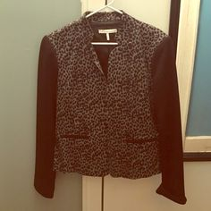 Reduced !! 😁 Printed blazer Blazer does stretch French Connection Jackets & Coats Blazers