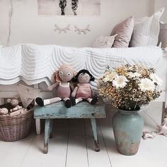 Dreamy European Spring/Summers ♡ This beautiful capture @mreiness reminds me of this gorgeous time of year x  White quilt sets @bonnemereaustralia ♡ . . . #springfeels #white #love #nordicstyle #scandinavianstyle #kidsinteriors #interiorkids #quiltsets #kidsroom #kidsbedding #kidsdecor #childrensinterior #girlsdecor #nurserydecor #nurserylove #nurserystyle #babymat #cotquilt #juniorquilt #singlequilt #beautiful #myfirstbigbed #bonnemereaustralia #bonnemere