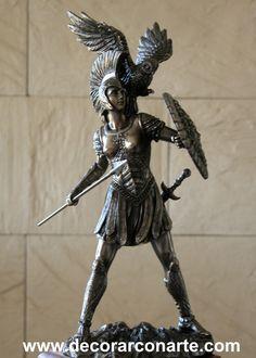 Diosa Atenea con Lanza