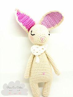Cassiopée poupée au crochet / Poupée fait main / Hand made toy #crochet #poupéefaitmain #poupéeaucrochet #crochetaddict