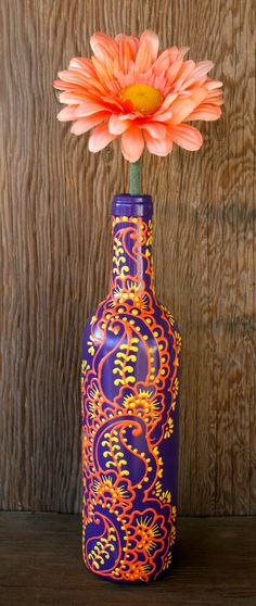 Botella de vino pintado a mano florero en el ciclo por LucentJane