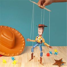 marionnette Woody  (a lot more paper toys on this site)