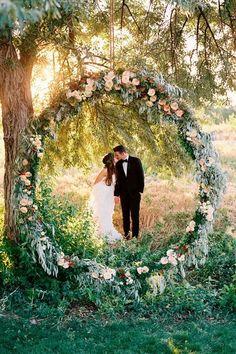 Foral wedding arch d