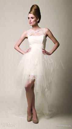 Vestido corto, cauda larga - Expo Tu Boda