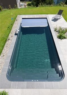 ber ideen zu gartenpools auf pinterest g rten kleinen hinterh fen und schwimmbecken. Black Bedroom Furniture Sets. Home Design Ideas