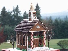 These gingerbread decorations double as dessert.