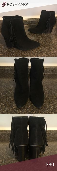 ISOLA Ultra Black Suede Leather Block Heel Boots Excellent Preowned Condition with some light wear showing on the toes and heels as well as the soles. Women's Size 9.5 but fit size 9 best ♥️ Listed a accordingly! Isola Shoes Heeled Boots