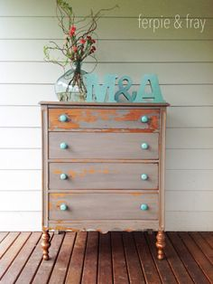 Dresser painted by Ferpie and Fray in Driftwood by The Old Fashioned Milk Paint… Paint Furniture, Furniture Projects, Furniture Making, Furniture Makeover, Cool Furniture, Favorite Paint Colors, Milk Paint, Classic Furniture, Furniture Inspiration