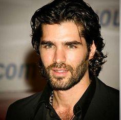 Eduardo Verastegui, Mexican actor b. Hairy Men, Bearded Men, Medium Hair Styles, Long Hair Styles, Latin Men, Curly Hair Men, Hair And Beard Styles, Male Beauty, Cute Guys