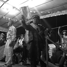 整個「請水」儀式花了六個小時才終於結束,沒錯,暗時八點由朝龍寺登臺寫下正確解答「趙」,趙府千歲正式來到「小琉球迎王祭」,真正的慶典,從現在才要開始⋯⋯