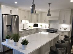 Bright, white transitional kitchen We love this medium sized kitchen, with white shaker cabinets and white veined quartz countertop. large island with custom hood cabinet! Shaker Style Kitchen Cabinets, White Shaker Kitchen, Gray And White Kitchen, Shaker Style Kitchens, Kitchen Cabinet Styles, Kitchen Reno, Kitchen Cupboards, Kitchen Remodeling, Kitchen Living