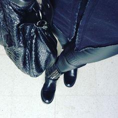 Total black... #fashion #black  #insta #instame #instafit #fitnesslifestyle #fitlife #fitgirl #fitnesmodel #style #fitfam #loseweight #buongiornomondo #Milano #webstagram #sweetdream #sweetdreamseveryone #fitfam #fitgirl #fitlife #fitnessaddict #fitnesmotivation #fitnessjourney