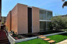 Long Beach, California house designed by Ed Killingsworth in 1963