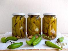 Φτιάξε μπακάλικα, πικάντικα πιπεράκια Pickles, Cucumber, Recipes, Food, Meals, Pickling, Cauliflower, Yemek, Eten