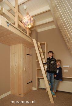 Een stoer videbed / inbouw hoogslaper van nieuw steigerhout van muramura.nl