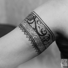Ethnic+pattern+from+india+tattoo+design+on+hand+by+best+tattoo+artist+in+mumbai+utsav+poddar+eric+jason+dsouza+from+best+tattoo+parlour+studio+in+india+iron+buzz+tattoos+mumbai.jpg