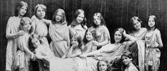 Isadora Duncan with her pupils 1908, by Paul Berger