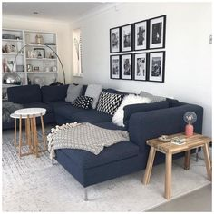 Blue Couch Living Room, Corner Sofa Living Room, Navy Living Rooms, Living Room Decor Cozy, Home Living Room, Dark Grey Sofa Living Room Ideas, Charcoal Sofa Living Room, Dark Blue Couch, Corner Couch