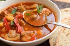 zupa gulasz pieczarkowa Mushroom Stew, Thai Red Curry, Soup Recipes, Stuffed Mushrooms, Food And Drink, Pizza, Ethnic Recipes, Check, Decor