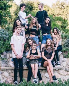 Rock your hair and chikengirls fam Annie Grace, Annie Lablanc, Julianna Grace Leblanc, Hayley Leblanc, Annie Leblanc Outfits, Annie And Hayden, Rock Your Hair, Carson Lueders, Idole