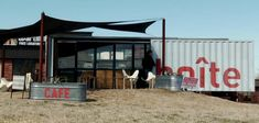 Shipping Container Turned Coffee Bar in Austin (Video) : TreeHugger