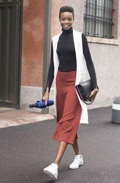 Ela chegou de mansinho e tímida! Um look aqui, outro ali e aos poucos seu poder fashionista instantâneo...