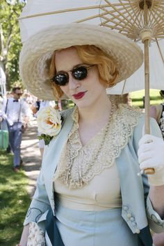 On the grounds of the 11th annual Jazz Age Lawn Party in Governors Island 30s Fashion, Party Fashion, Fashion History, Art Deco Fashion, Retro Fashion, Fashion News, Vintage Fashion, Vintage Style, Retro Style