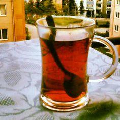 Balkonda çay keyfi